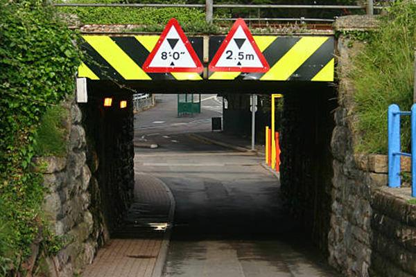St Catharines Movers Low Bridge